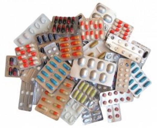 Страна сидит на импортных таблетках и отечественных подделках.
