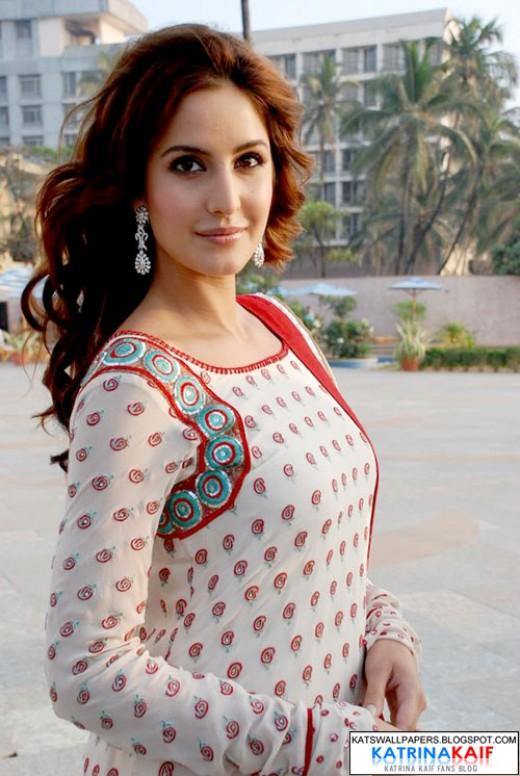 katrina kaif in simple dress