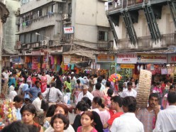 Snapshot of Crowded and Colourful India