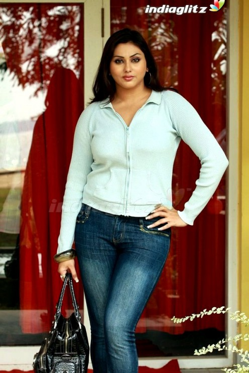 Namitha Shows Her Navel and Big boobs wearing a Shorts pic Gallery Image 7