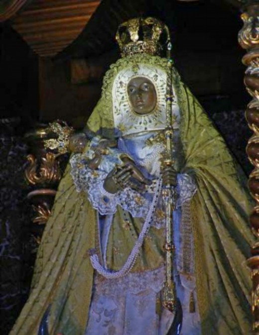 Candelaria Black Virgin