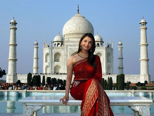 wallpaper of taj mahal. Aishwarya Rai at Taj Mahal