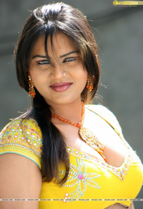 Bold Hot Telugu Film Item Girl Priya Sexy Cleavages Gallery Image 11