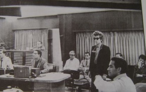 Kooper (at right) with Bob Dylan in the recording studio