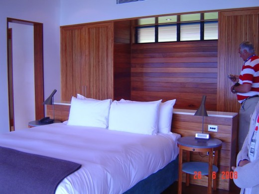 Plush first class bedroom in Resort on Hamilton Island