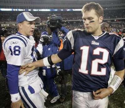 Tom Brady Congradulates Peyton Manning AP Photo/Winslow Townson