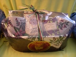 DIY Ideas: How To Make Christmas Gift Baskets