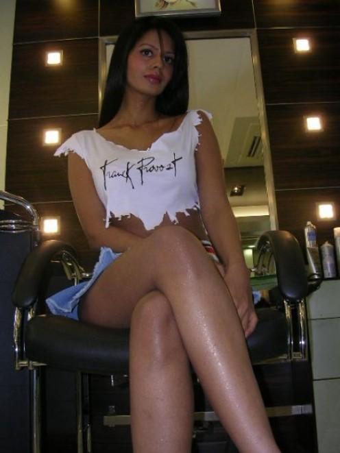 Bhairavi Goswami sexy thighs exposing photos