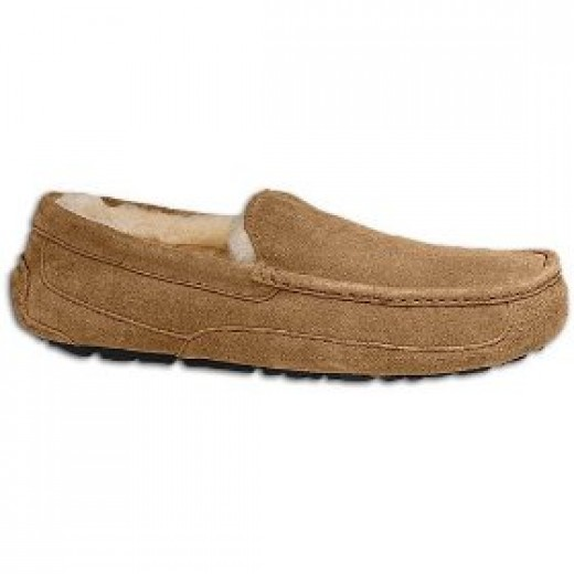 UGG Australia Men's Ascot Leather Slipper Slippers