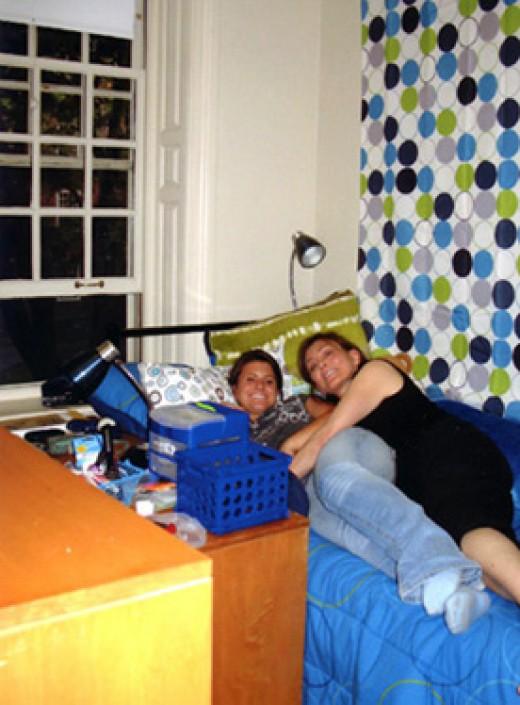 Happy Dorm Room! by rlz