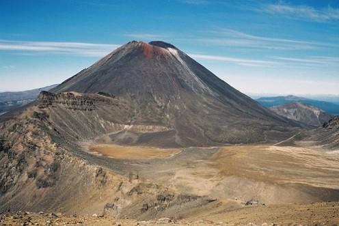 Mt Ngauruhoe, aka Mt Doom in LOTR And Yes it is active Photo:ultrahi