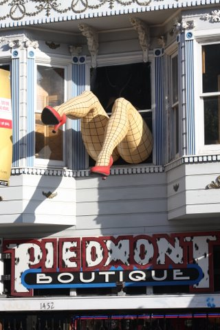 Haight Street Lady   deedsphoto