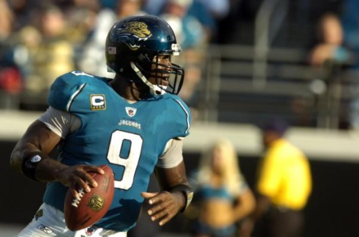 David Garrard looks to pass in fourth quarter action during a NFL football game, Sunday, Nov. 22, 2009 in Jacksonville, Fla. Jacksonville beat the Buffalo Bills 18-15. (AP Photo/Stephen Morton)