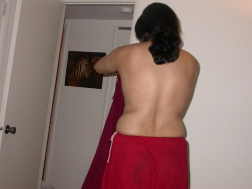 aunty bra photos. Desi Aunty Stripping her saree