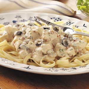 Here's a delicious Chicken Alfredo made with you guessed it Bechamel Sauce.