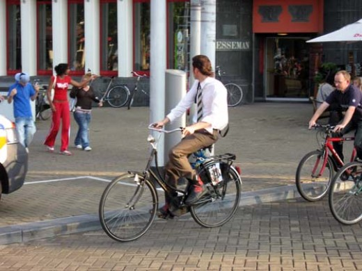 See a great place for cyclists at http://www.ski-epic.com/amsterdam_bicycles/