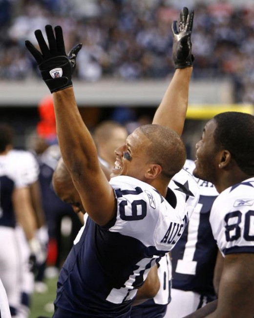 Miles Austin (19) celebrates following his touchdown in the first half of an NFL football game against the Oakland Raiders, Thursday, Nov. 26, 2009, in Arlington, Texas. The Cowboys won 24-7. (AP Photo/Erich Schlegel)