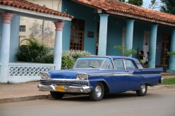 Blue car in Vinales