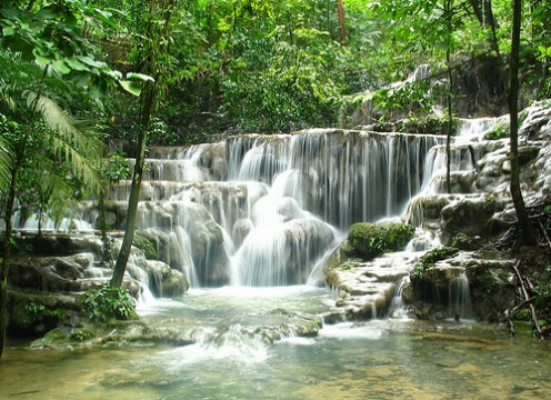 Waterfall Palenque Mexico by zoutedrop @ flickr