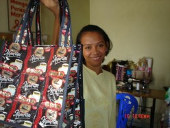 Don't look down the economic potential, recycled plastic bags have become attractive business (image: Kasmi 51-Journey of Ester).