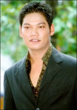 Top 10 Cambodian Singers in Cambodia - How to Become Famous and Popular Khmer Singer Stars