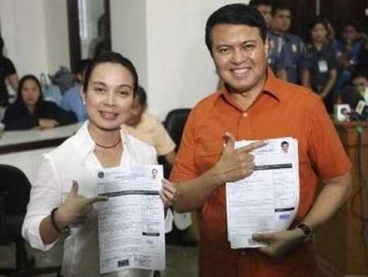 One of the formidable tandem in the coming Philippine Elections. Can their partnership blend well on time to win the hearts of the voters? Credit:news.yahoo.com
