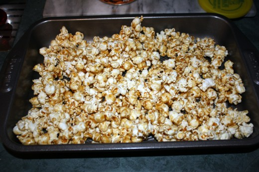 The finished Caramel Corn!