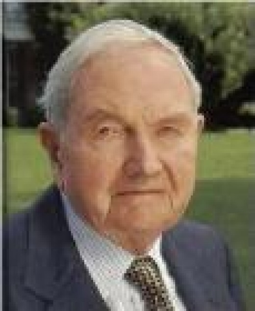 David Rockefeller (one of the co-founders/founders of the Illuminati paper-currency scheme)