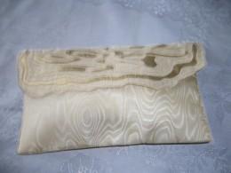 Photo: machine embroidered bag