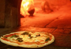 A Guide to Italian Pizza