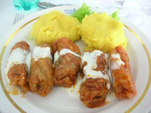 sarmale and polenta