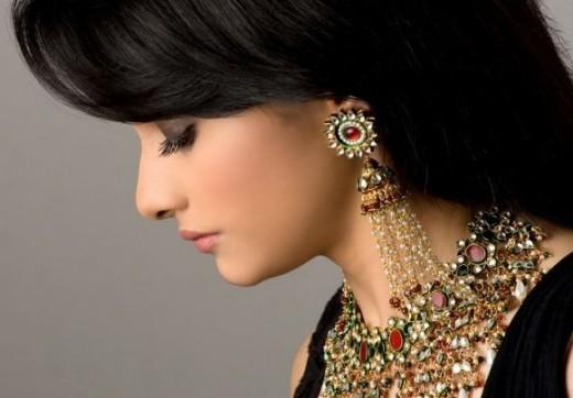 Prachi Desai - model showing gold Jewelry