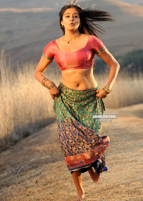 Posts Related Priyamani Awesome Hot Navel Show Nude and Porn Pictures