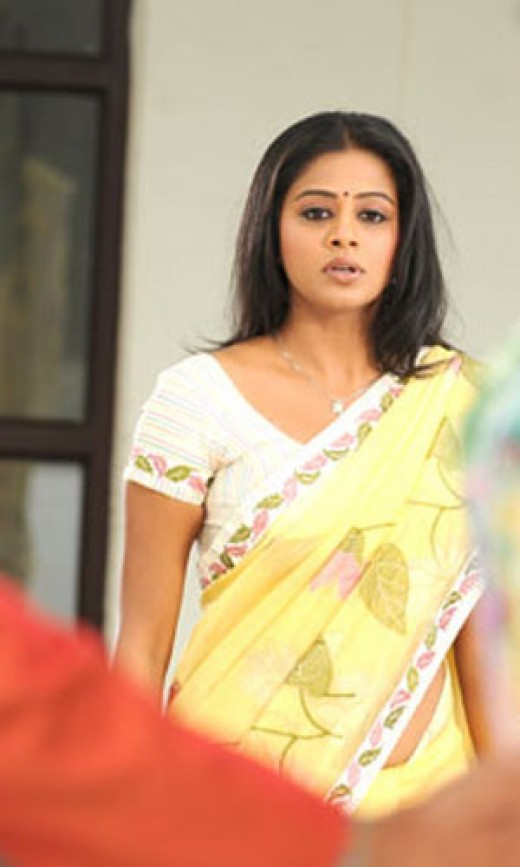 malayalam actress priyamani with saree