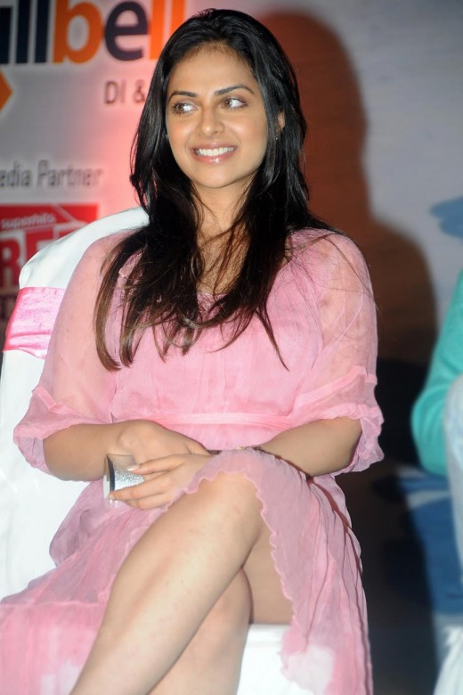 SEXY RICHA PALLOD THIGH SHOWING IMAGES