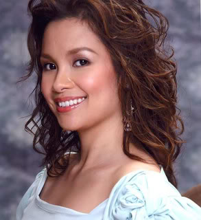 Lea Salonga... the singing nightingale with a crystal clear voice will wow again her audience with her mesmerizing performance as Grizabela.