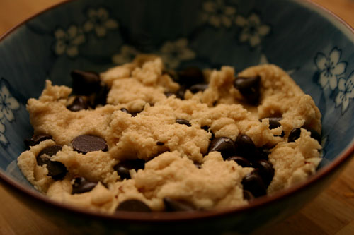 eggless chocolate chip cookie dough, ready to eat