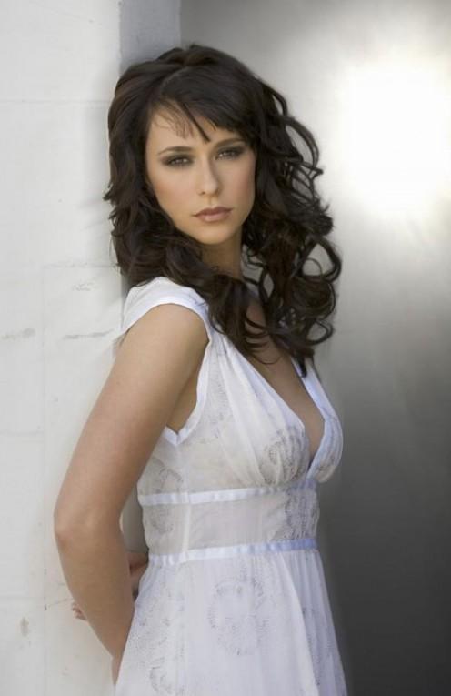 Jennifer Love Hewitt: Sexy in White
