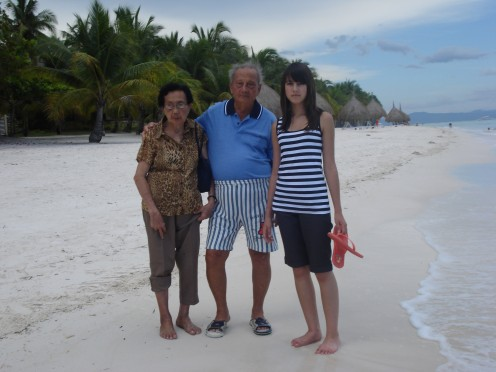 Pa, Ma & Granddaughter ( My Daughter), Bohol Beach Club, Bohol Island, Phil.