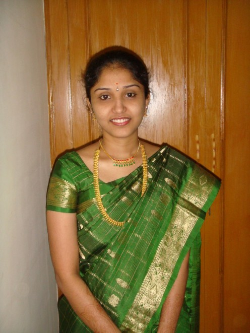 Transparent Saree Photos of Mallu Housewives Image 11