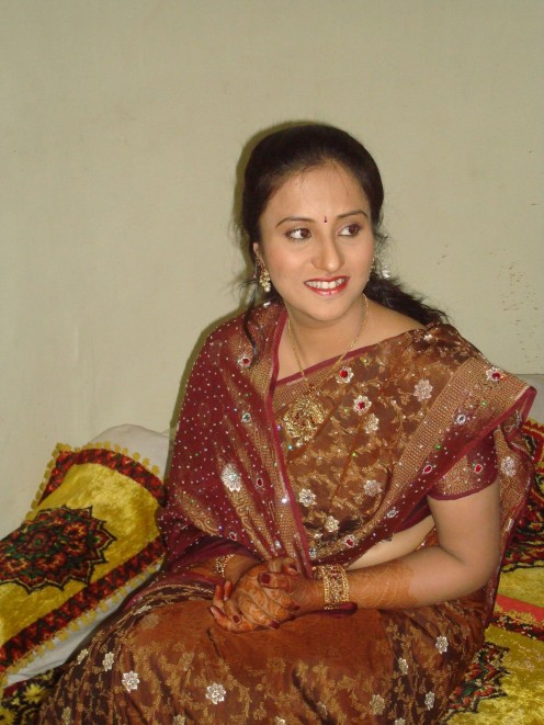 Transparent Saree Photos of Mallu Housewives Image 14