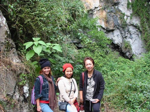 one of the preserved pictures I have, all are gone, Mountain Province, Philippines, me with a black bonnet, (six years ago already)