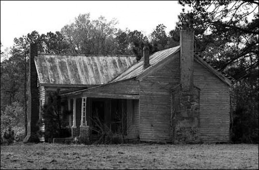 A Photo Of The Old House That Used To Stand In The Area Of The Cemetery. It burned down in the late 1970s and was said to be one of the most haunted houses in N.C. It was the scene of a brutal axe murder in the 1920s.