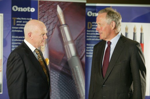 James Boddy (l) and Sir Brandon Gough, former Chairman of De La Rue plc at the Onoto relaunch at The London Stock Exchange 2005
