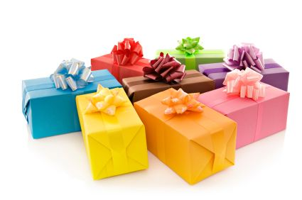 What is Ideal gift for Housewarming?