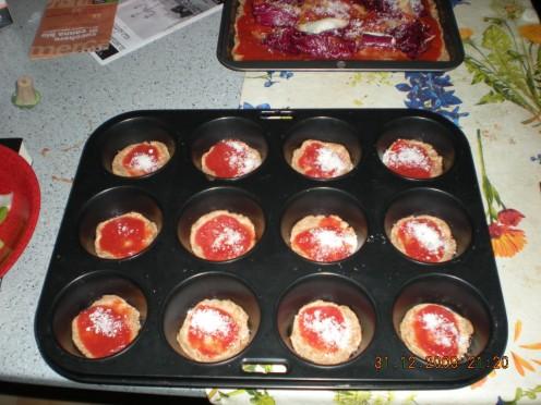 Mini wholemeal pizzas