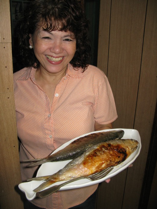 Another precious friend Rosan, who cooked up a storm for us, here with her Stuffed Milkfish