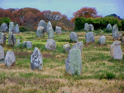 Standing stones in the Kermario  alignment (courtesy marek69)