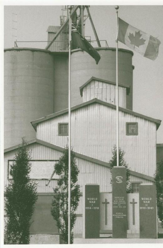 1986 Glencoe Grain and Seed, Pentax MX, 100 mm lens.