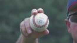 Sinker Ball Grip With Right to Left Movement